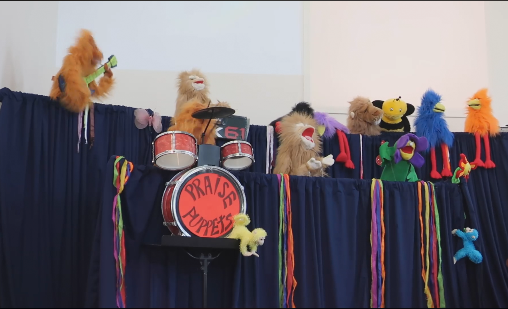 The Praise Puppets in full voice